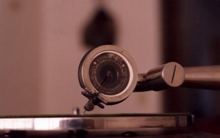 stari-gramofon-3-igla