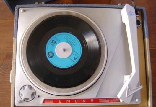 gramofon ISKRA Emona 3
