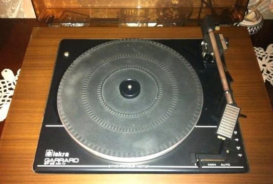 gramofon ISKRA Garrard c