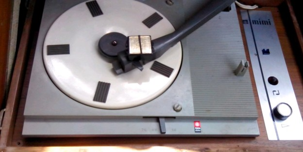 gramofon ISKRA Mimi b
