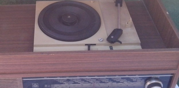 gramofon radio ISKRA Savica 2