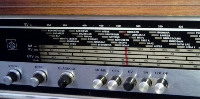 gramofon radio ISKRA Savica 3