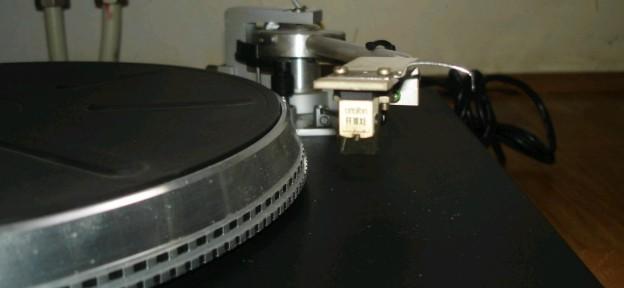 gramofon RIZ GM 4010 2
