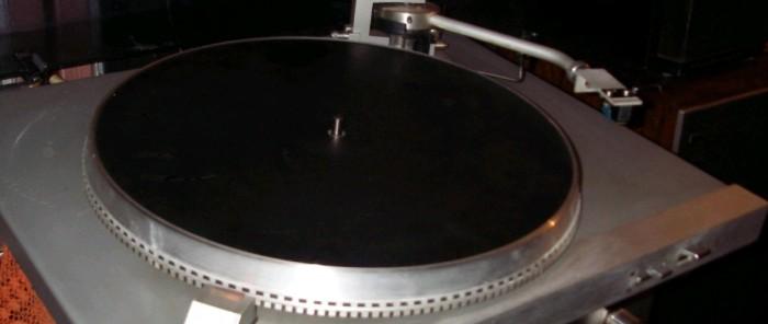 gramofon RIZ GM 7600 2