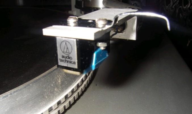 gramofon RIZ GM 7600 3