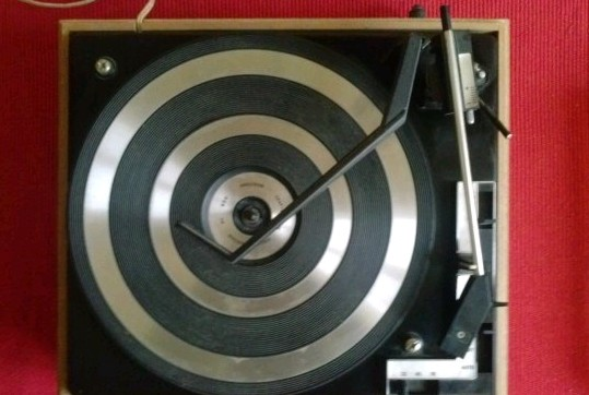 gramofon RIZ TOSCA 10 BSR 4
