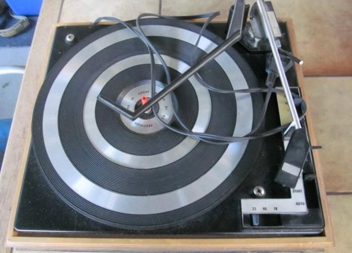 gramofon RIZ TOSCA 5 a