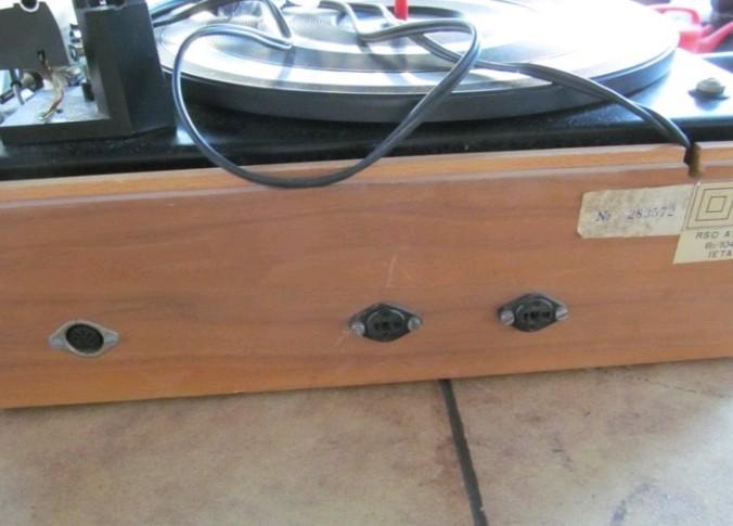 gramofon RIZ TOSCA 5 b