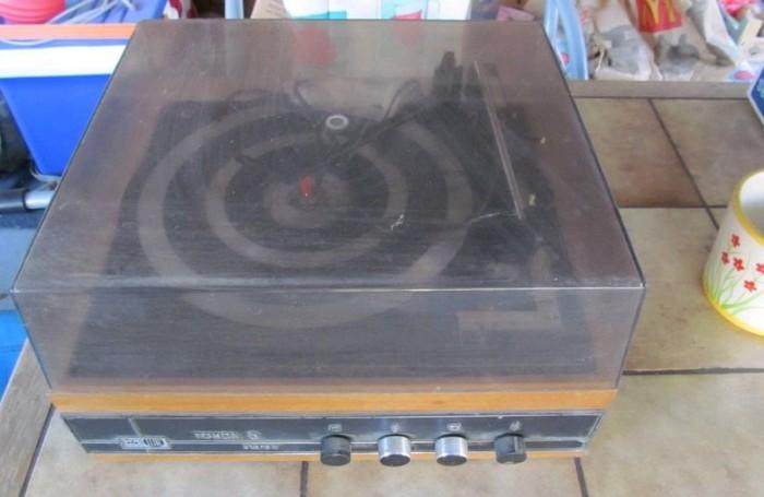 gramofon RIZ TOSCA 5 c