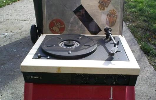 gramofon RIZ TRAVIATA 1