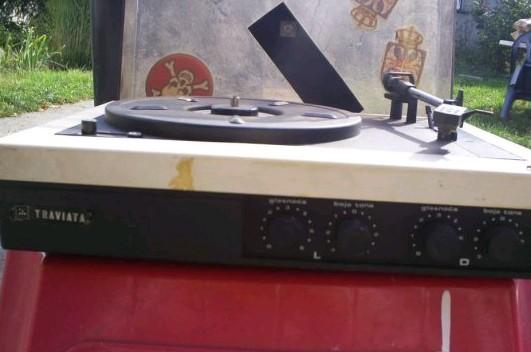 gramofon RIZ TRAVIATA 2